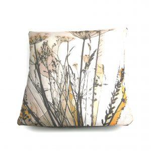 A neutral botanical seedheads cushion 40x40cm